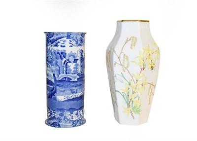 Lot 36 - A tray of ceramics including a Royal Crown Derby Mikado pattern part tea set, Coalport Imari...