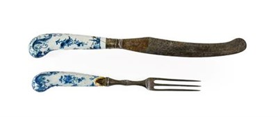Lot 38 - A Pair of Worcester Porcelain Cutlery Handles, circa 1765, painted in underglaze blue with the...