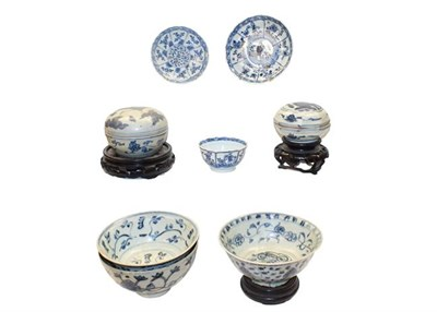 Lot 63 - A quantity of 18th century Chinese blue and white 'shipwreck' porcelain, including: two covered...