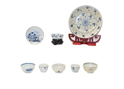 Lot 79 - Tek Sing and Nanking cargo porcelain and associated literature, including a blue and white dish...