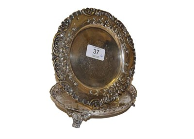 Lot 37 - Two Portuguese silver dishes, one Porto, the other stamped 'Prata 900', each circular the first...