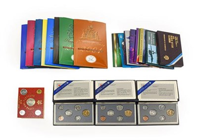 Lot 2034 - Australia, 8 x Uncirculated  Coin Sets, each containing 6 x coins: cupro-nickel  5, 10, 20 & 50...